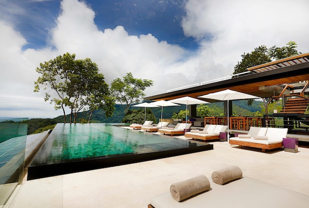 kura design villas infinity pool costa rica