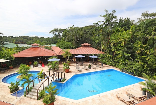 mawamba lodge tortuguero pool and rainforest
