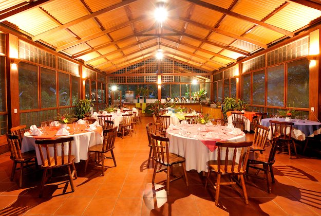 evergreen lodge tortuguero costa rica restaurant