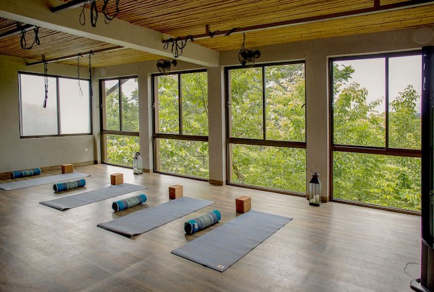 lagarta lodge costa rica yoga studio