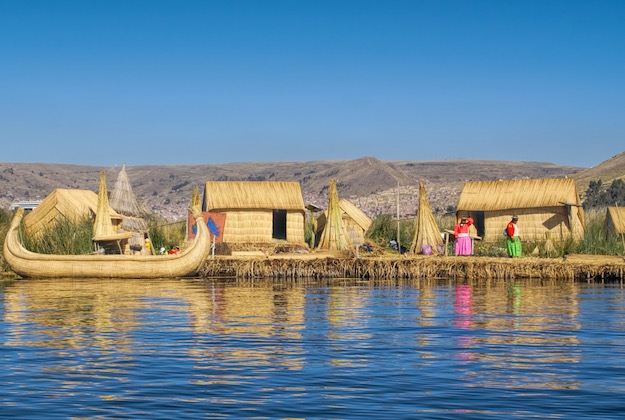 uros islands lake titicaca peru