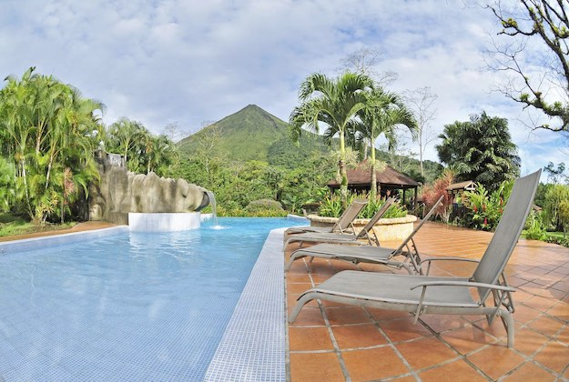 lomas del volcan hotel swimming pool