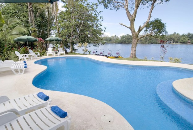 manatus hotel swimming pool tortuguero